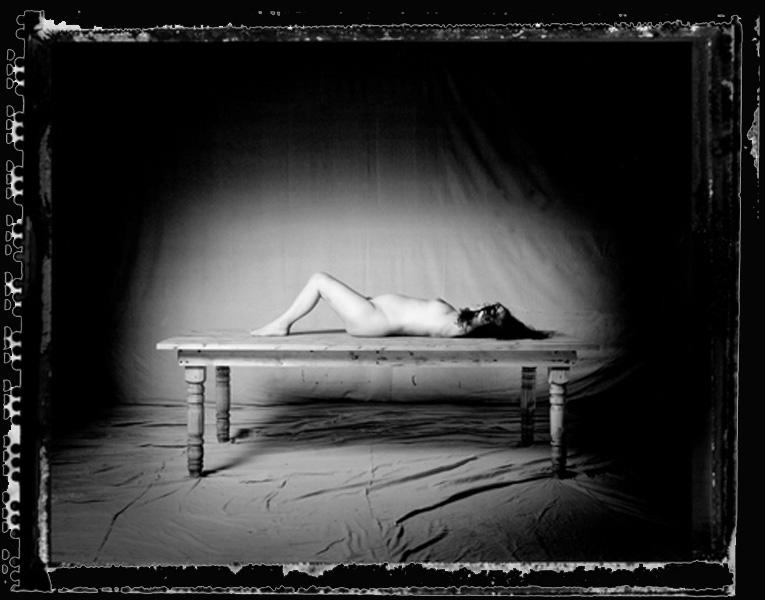 pregnant-girl-table-BLACK-BACKGROUND1